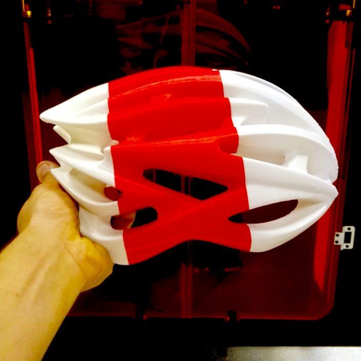 Prototipo di casco in stampa 3d FFF